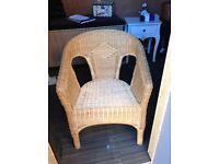 Shabby chic style wicker chunky bedroom chair in great condition