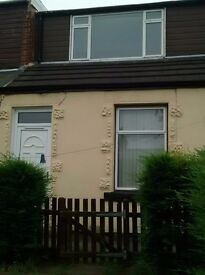2 Bedroom House to Rent in Central Stanley
