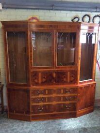 Jew wood display cabinet