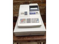 Sam4s electronic cash register fully working, also labelling gun with spare labels