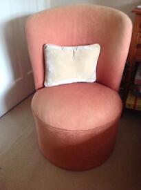 Small tub shape bedroom chair