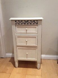 Shabby chic small bedside table / drawers
