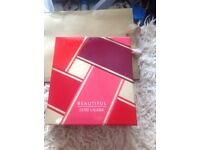 Estée Lauder beautiful gift set, beautifully boxed and unused