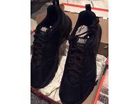 Men's black Nike t lite trainers size 9 (new £20)