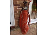 """REDUCED TO A """"GIVE-AWAY"""" PRICE! A GOLF BAG COMPLETE WITH CLUBS, WOODS, PRACTISE BALLS & TEES"""