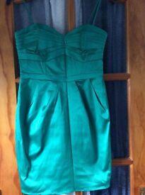 Dress in emerald green- size 10 H&M