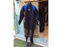 Bare Dry suit, excellent condition and very warm