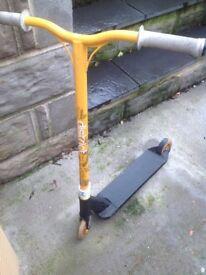 Stunt scooter urbanartt district used £70 ovno