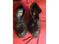 Men's walking boots ideal for skiing, size 9 & 10