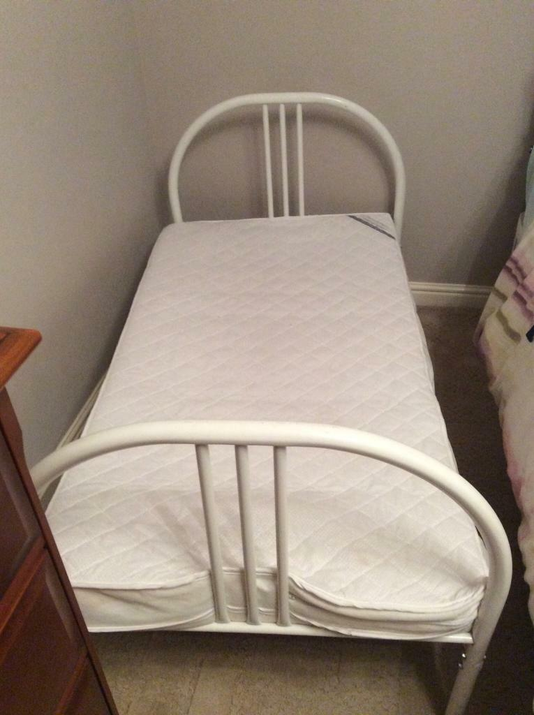 Childs Bed with Mattress - Washington Area
