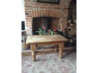 Coffee table (antique old pine) very sturdy