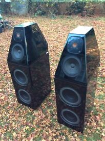 Wilson 4 Watt/Puppy High end Speakers, Piano gloss black, good overall condition