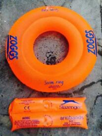 Zoggs swimming ring and float