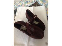 House shoes size 5