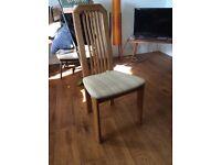 Beautiful dining chairs (x8)
