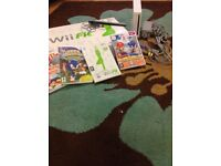 Nintendo Wii bundle including console,Wii fit balancing board & 4 games boxed
