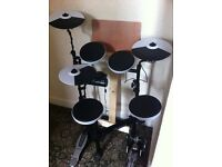 TD-4KP Electric drum kit with carrying case