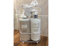 Baylis & Harding La Maison Set - perfect Secret Santa gift