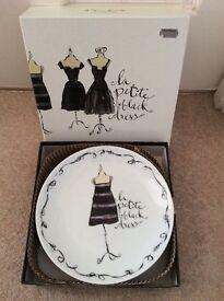 Little black dress pretty gift plates x 4 brand new