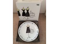Little black dress pretty gift plates x 4 brand new
