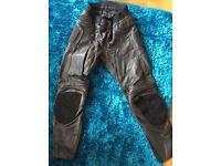 Men's size 34 leather motorbike trousers