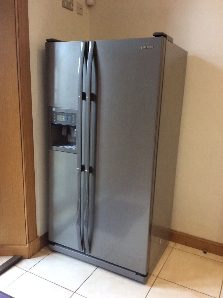 Samsung American Style Fridge Freezer With Ice Amp Water