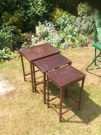 Nest of small occasional tables