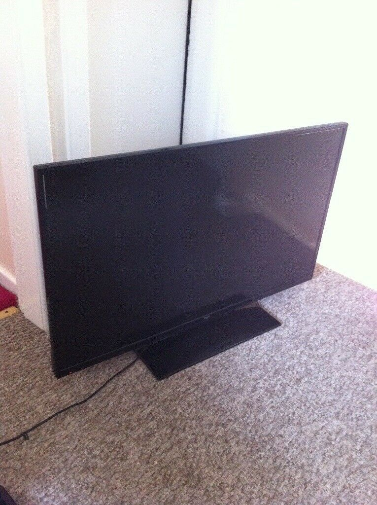 Slim 40 Inch Bush Tv With Remote Hdmi And Built In Dvd Player In