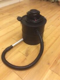 WARMLITE Electric Ash Vacuum 18 Litre -used once excellent condition
