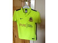 Southport FC Nike kids football kit age 8-10years in fluorescent yellow, excellent condition