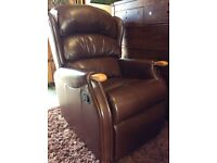 Hsl leather recliner chair as new free delivery
