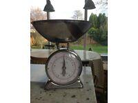 Retro style kitchen scales