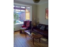Double room (all inclusive) available in a light, friendly period home in Mapperley.