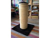 Large Cat Scratching post