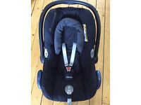 Maxi Cosi Cabriofix Infant Carrier and Easyfix Isofix Base