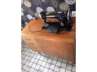 Sewing Machine with Table & Draws