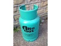 3x full butane canisters