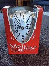 Melting Clock - New gift in box