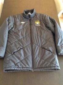Manchester City ETIHAD Managers Bench Coat Jacket - Men's Size XL - GREY puffer style