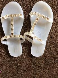 Beach shoes Size 6 Great Condition