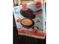 American Originals Large Pie Maker £25