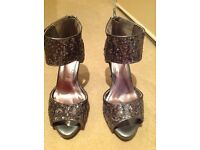 Ladies size 6 wide fit shoes