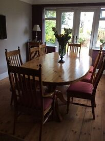 Pine Table 8ft x 4ft Oval shape, Good condition