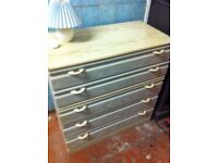 Large sturdy 5 drawer chest