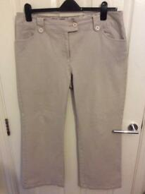 B Casual Size 16 Comfort Jeans