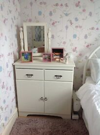 Sideboard / cupboard