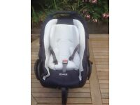 Baby car seat (excellent condition)
