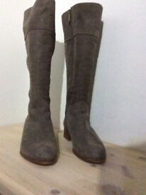 Duo / Ted & Muffy boots for sale