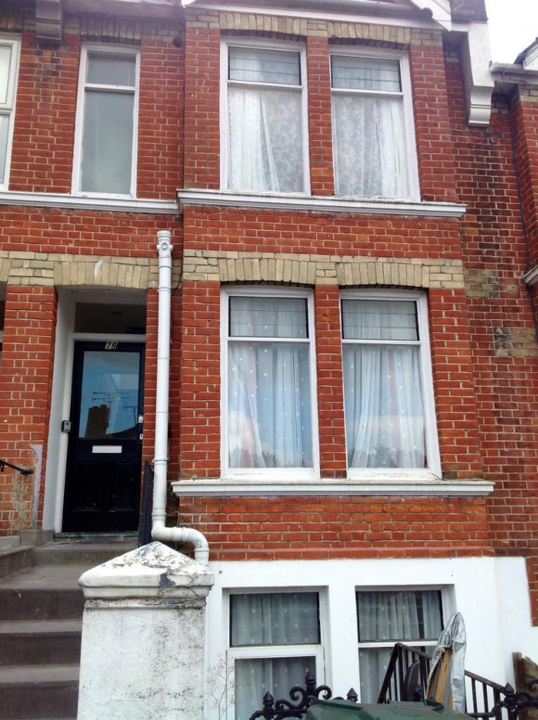 7 BEDROOM STUDENT HOUSE & GARDEN, NEAR LONDON ROAD, Bates Road (Ref: 183)
