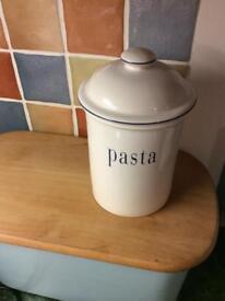 Habitat storage pasta pot.